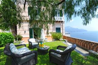 Amalfi villa garden italy
