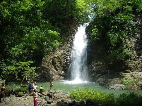 montezuma-falls costa rica
