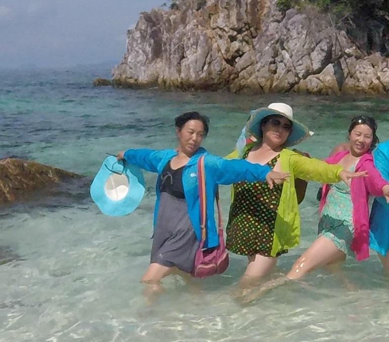 Island Beach People: Good People Watching Khai Island Thailand