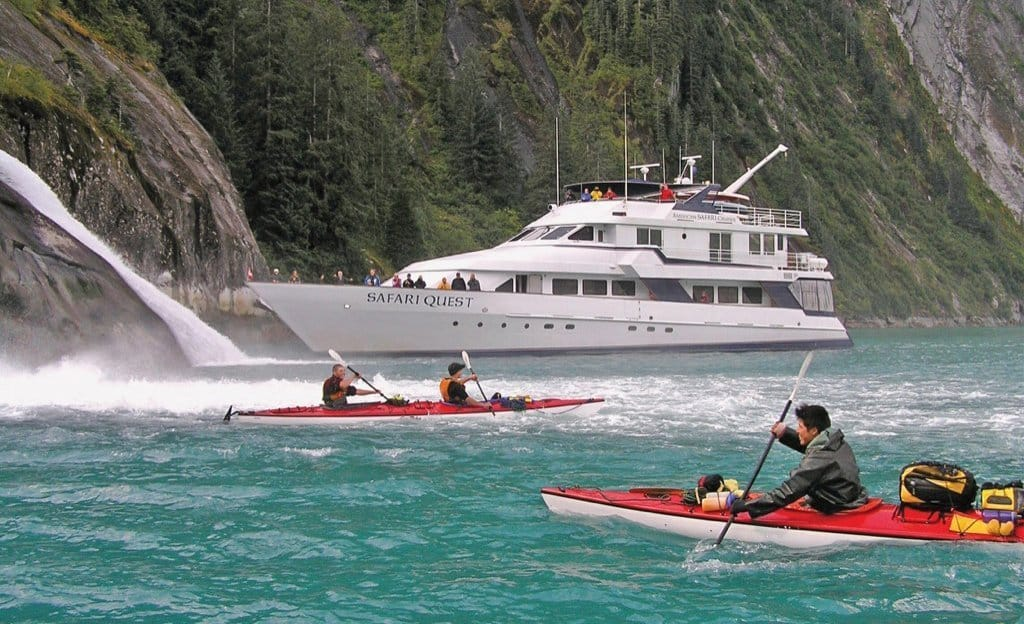 alaska-uncruise-adventure-ship-kayak