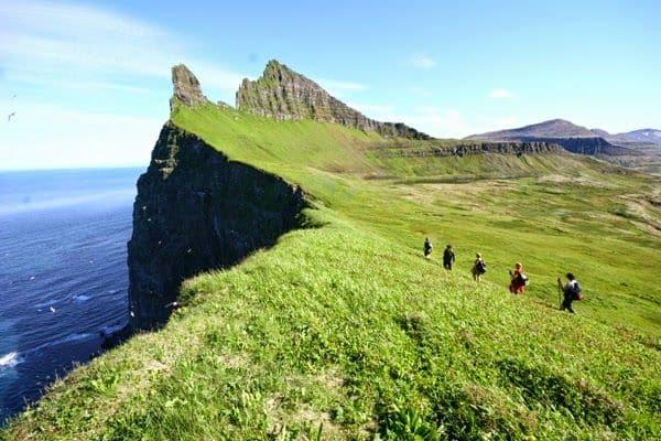 iceland-hiking-summertime