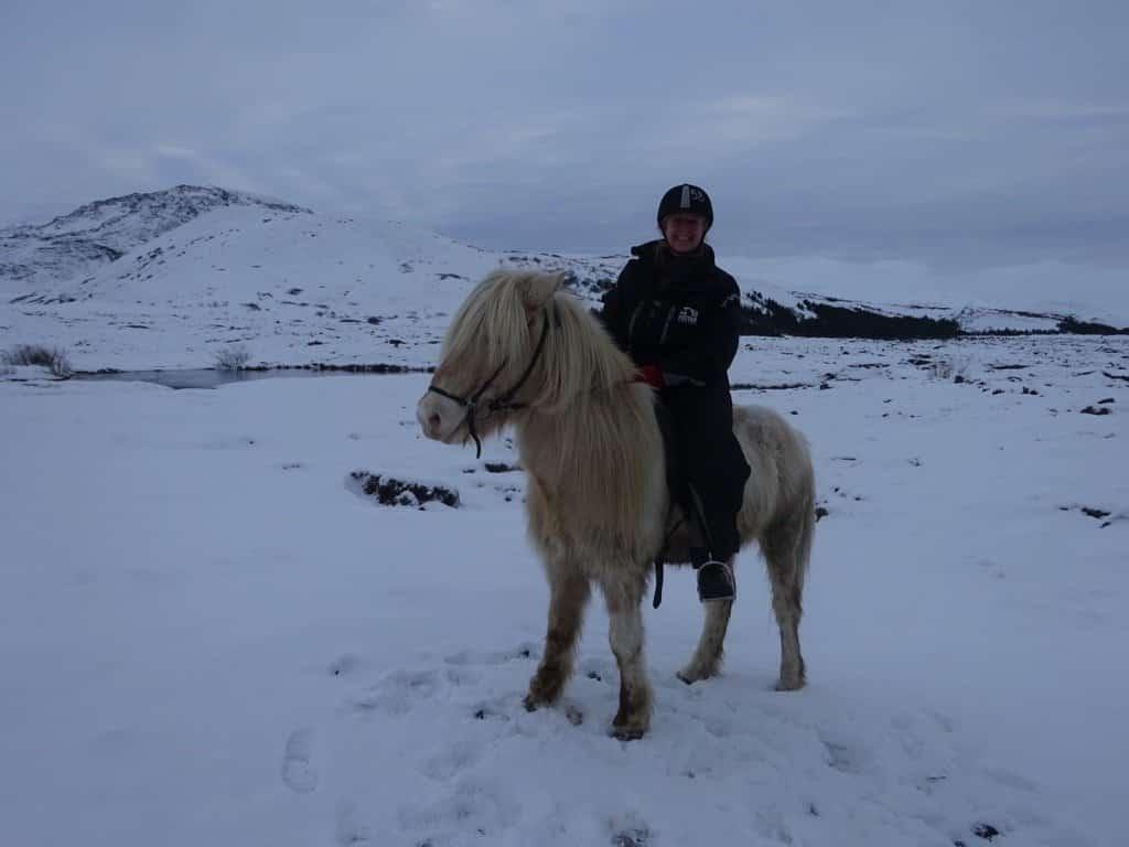 iceland-horseback-riding-winter