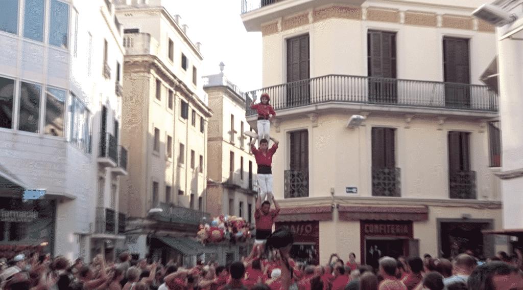Spain-Barcelona-castellers-competition-street-scene