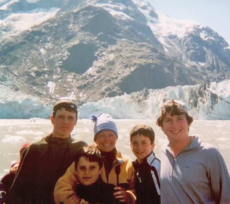 melanie-ceo-rare-finds-travel-with-family-at-glacier