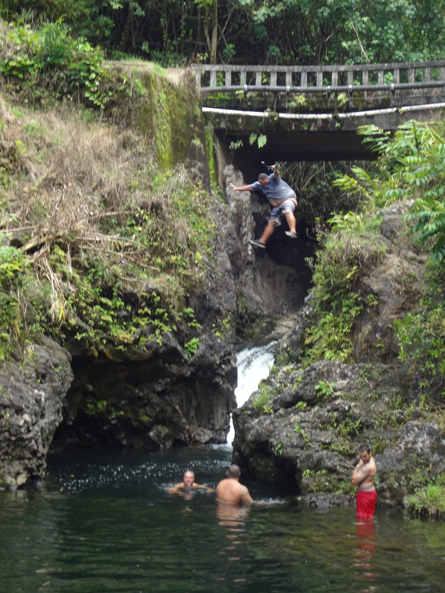 hawaii-day-with-waterfall-guru