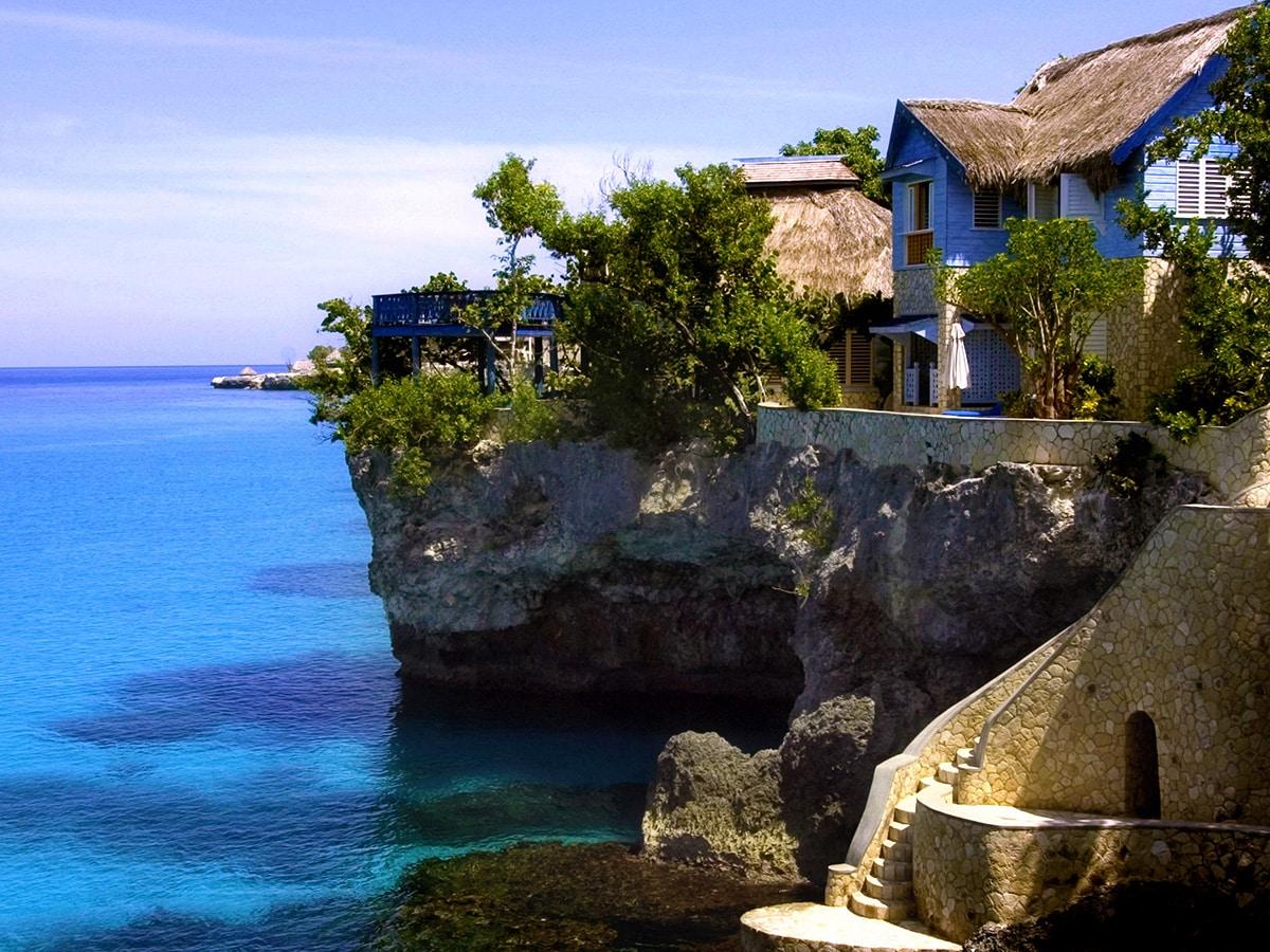 jamaica-cave-hotels