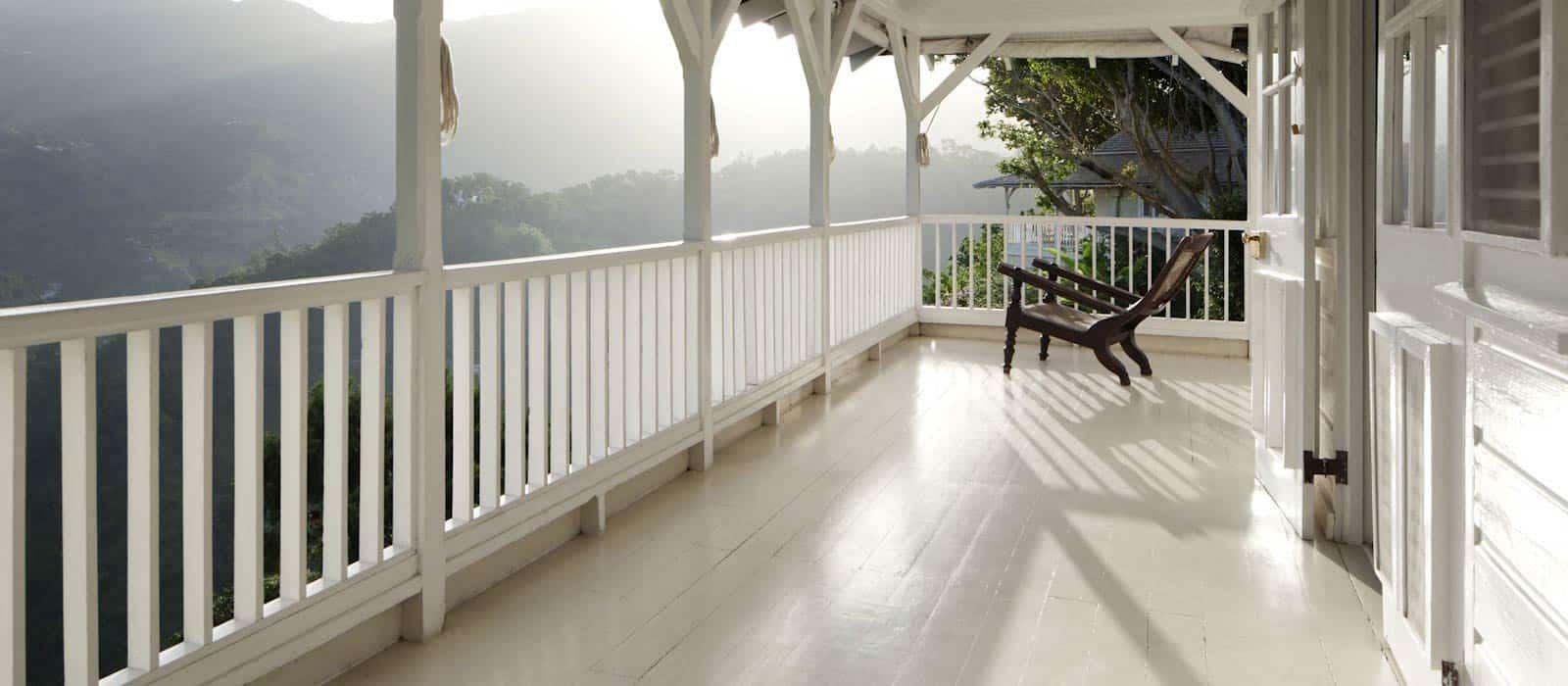 jamaica-strawberry-hill-porch