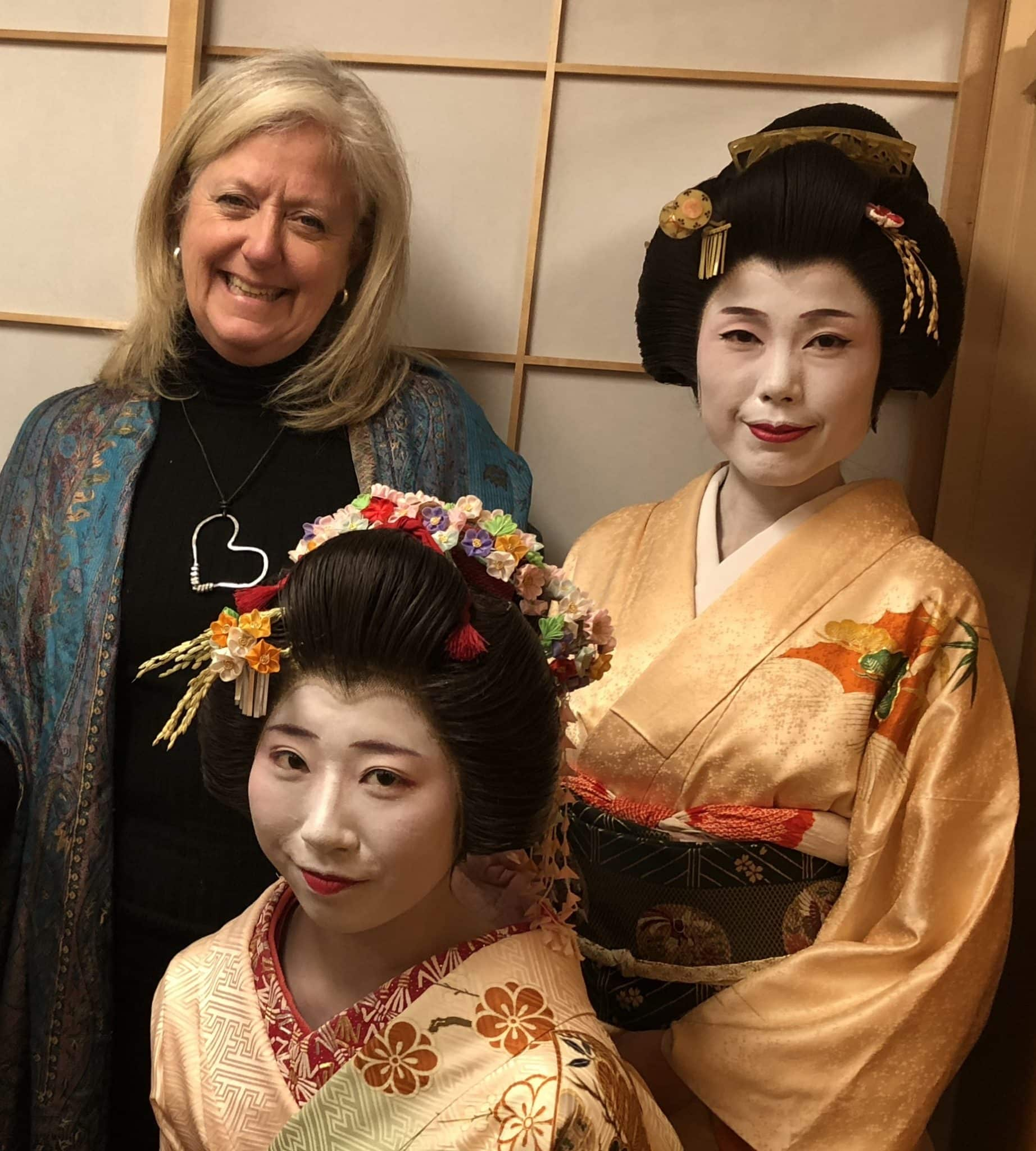 japan-geishas
