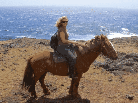 melanie-ceo-rare-finds-travel-explores-easter-island-north-shore-on-horse