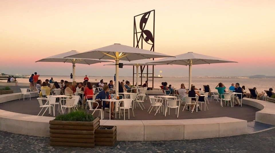 portugal-lisbon-sunset-cocktail-hour