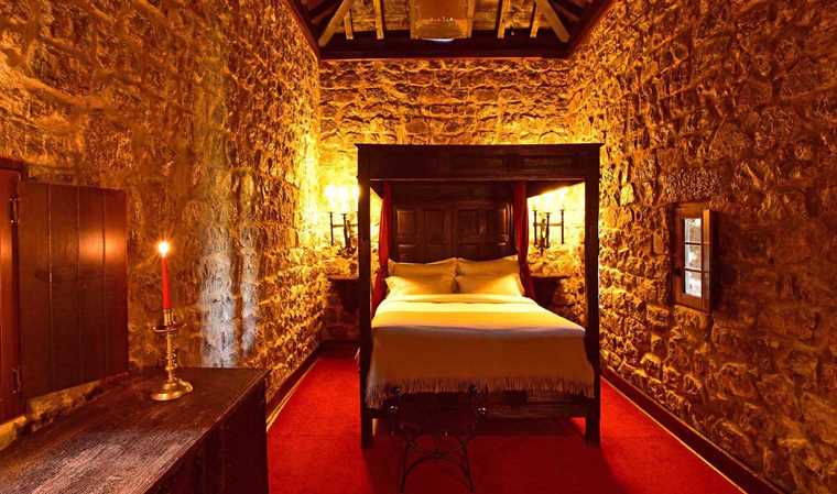portugal-pousada-obidos-rooms-turret