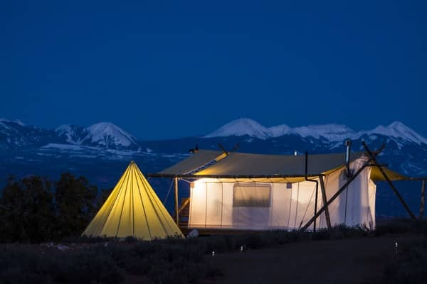 sw-parks-moab-under-canvas-family-glamping