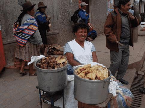 tamale-seller-on-street-in-cusco-peru