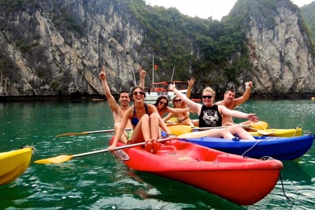 vietnam-halong-bay-kayak-outing