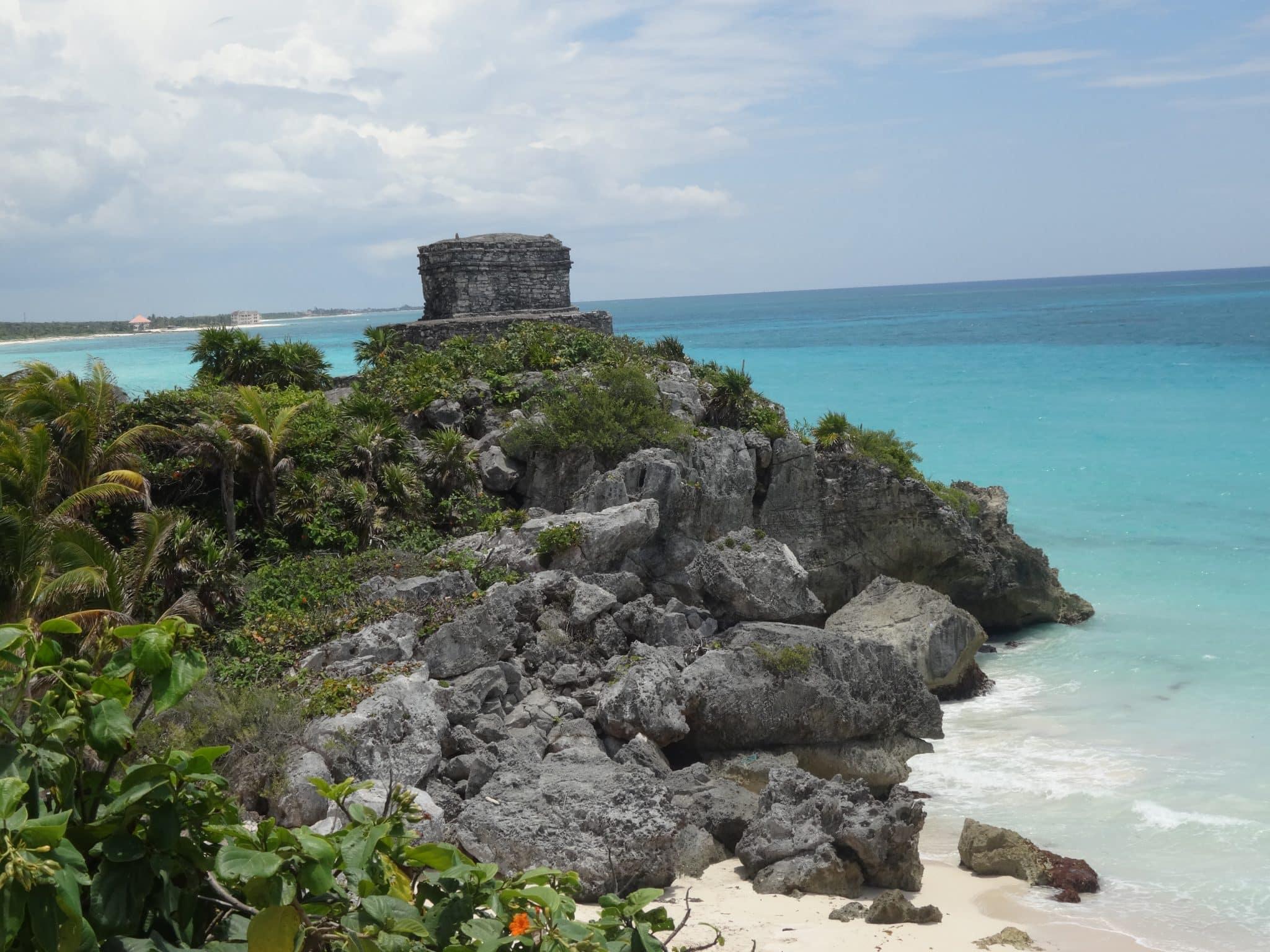 yucatan-tulum-blue-water
